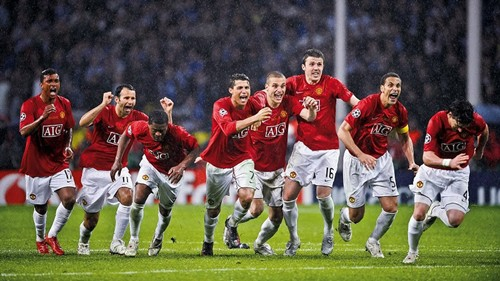 Manchester United 2008 manh hon so voi Manchester City 2018 1