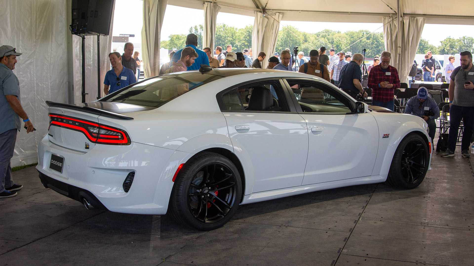 2020 dodge charger srt hellcat widebody and scat pack widebody (7)