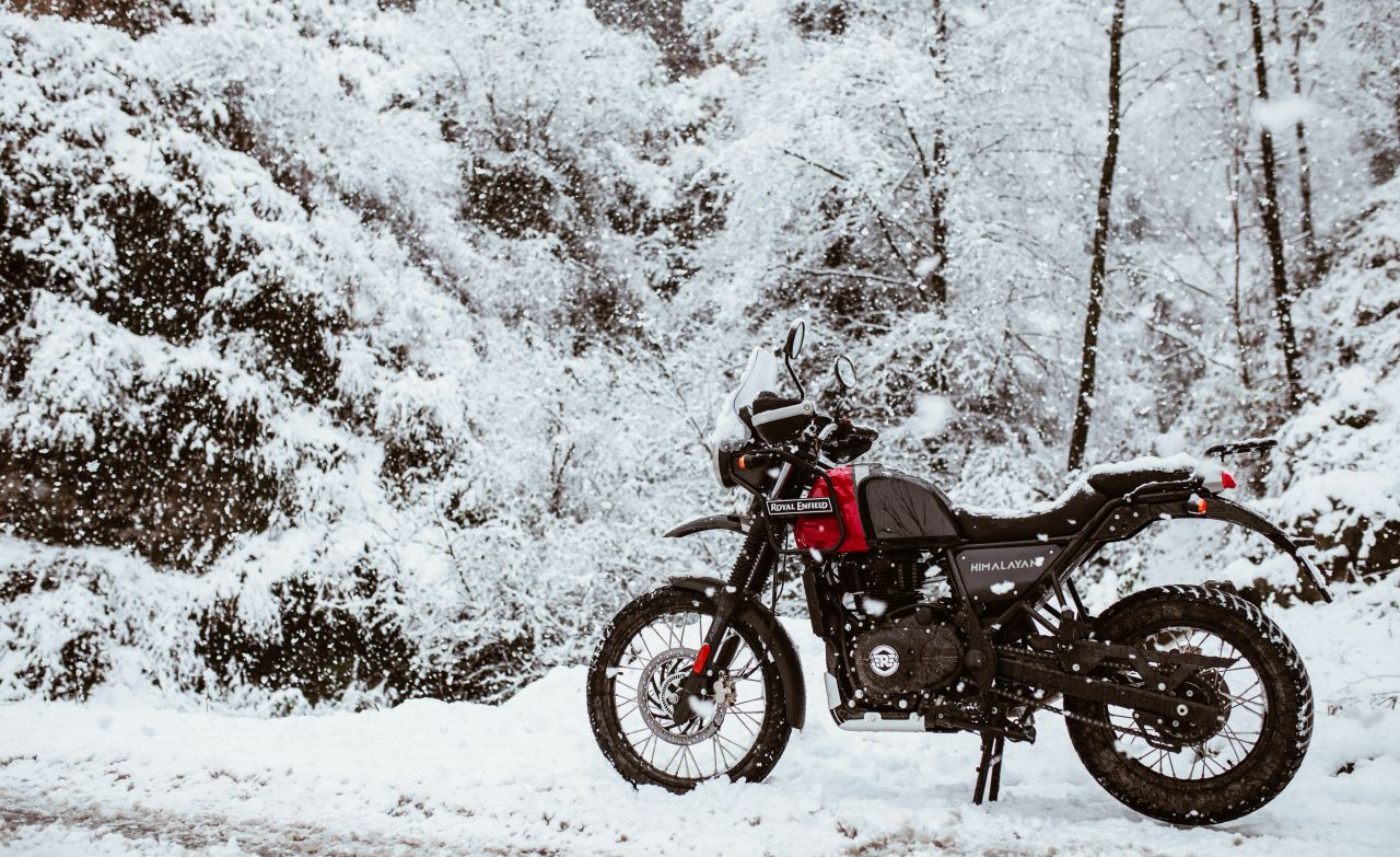 bs vi royal enfield himalayan rock red outdoor 5 f20c