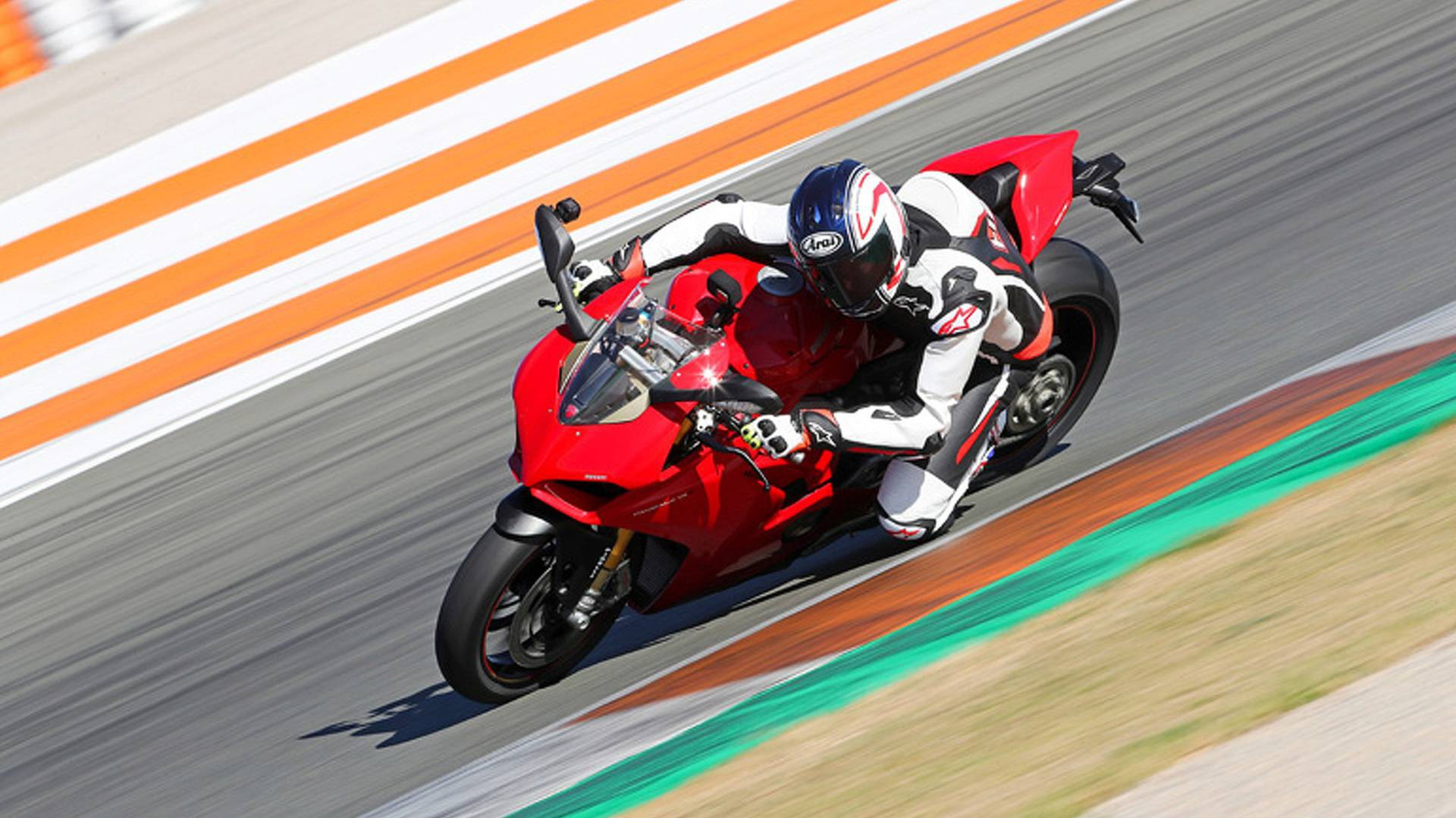 2018 ducati panigale v4 s first ride