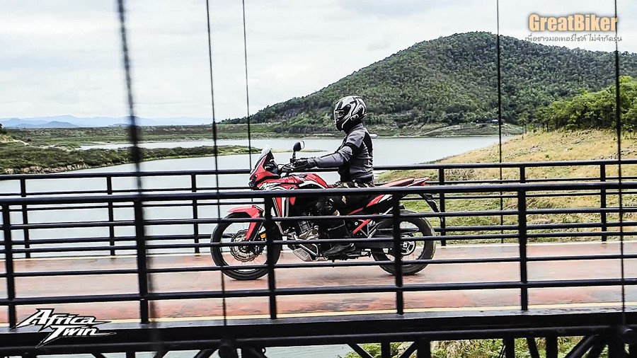 CRF1100L Africa Twin Review.00 09 22 32.Still026