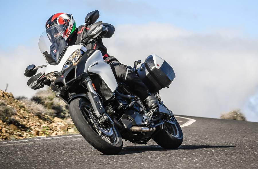 MULTISTRADA 950 TOURING PACK ACTION 38 UC31814 Mid (1)